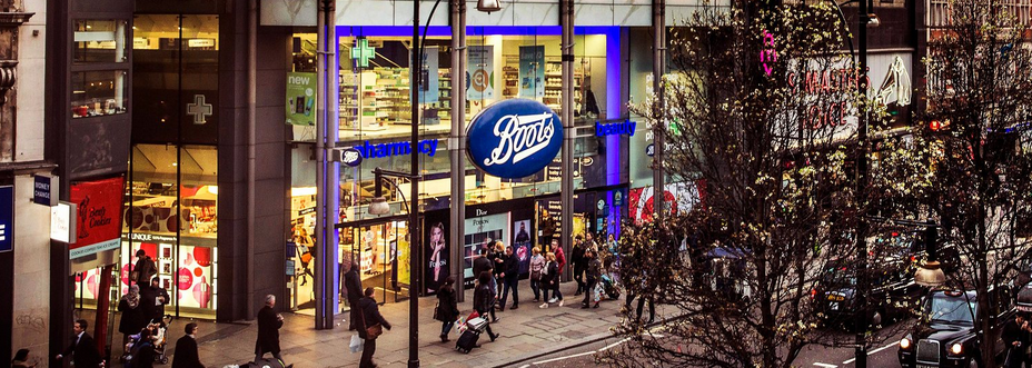 Boots staff under pressure to milk the NHS for cash, says pharmacists' union, źródło: http://www.theguardian.com